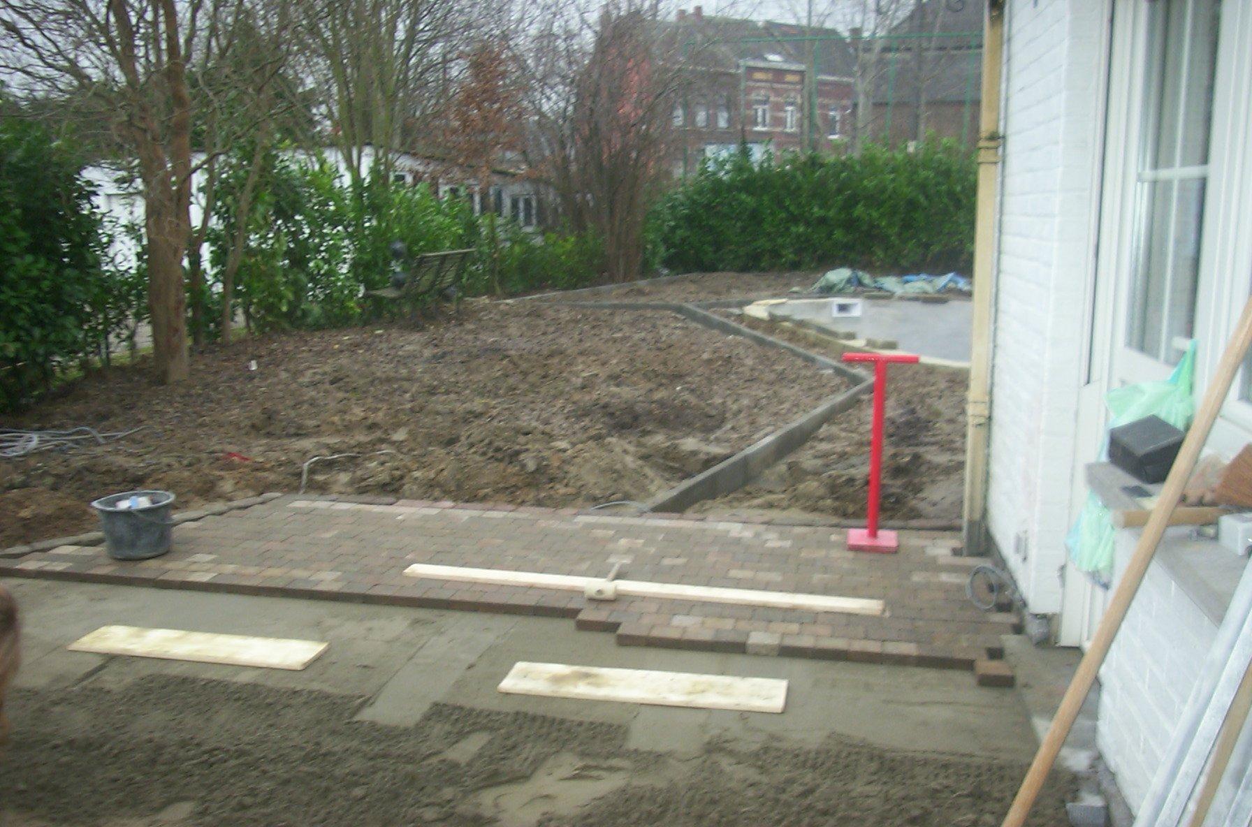 18 la terrasse lounge la construction de notre piscine for Construction piscine 18