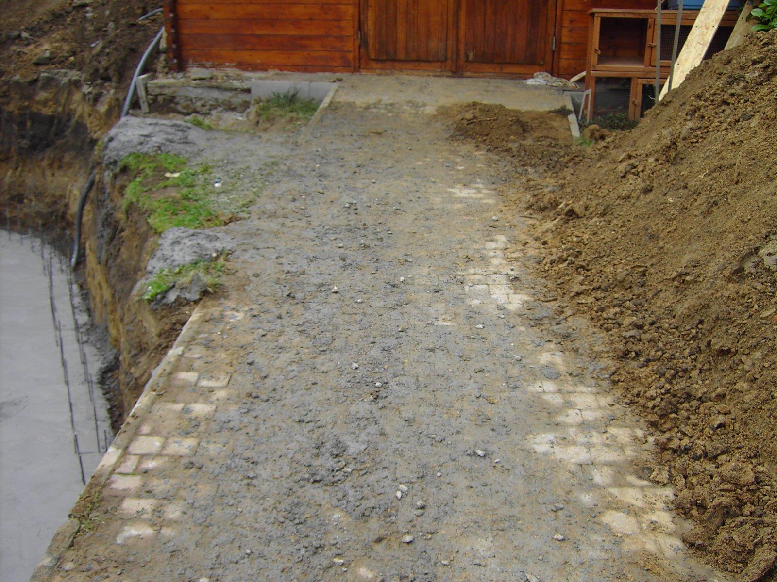 06 coulage du radier la construction de notre piscine for Radier piscine beton