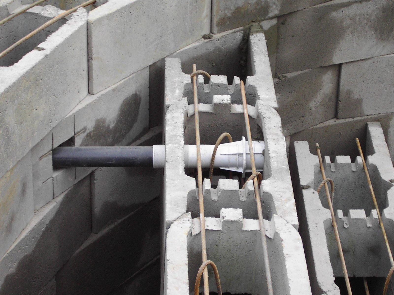 piece a sceller pour piscine beton 11 la mise en place des pices sceller la construction de - Piece A Sceller Pour Piscine Beton